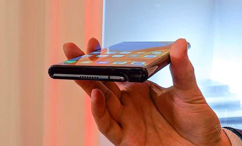 Huawei Mate X имеет динамики