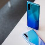 ▷ Сравнение Huawei P30 Pro 128ГБ / ОЗУ 8 ГБ и Huawei P30 64ГБ: Дисплей · Аппаратная часть · Результаты тестов · Основная камера · Фронтальная камера · Коммуникация и порты · Функции и навигация · Питание